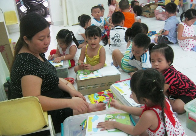 TPHCM sẽ thí điểm trường công giữ trẻ đến 17h30 và cả ngày thứ bảy (ảnh: Hoài Nam)