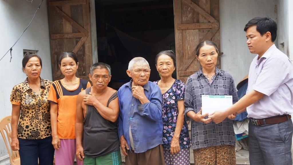 Gần 120 triệu đồng đến với 3 hoàn cảnh nhân ái tại Nghệ An - 5