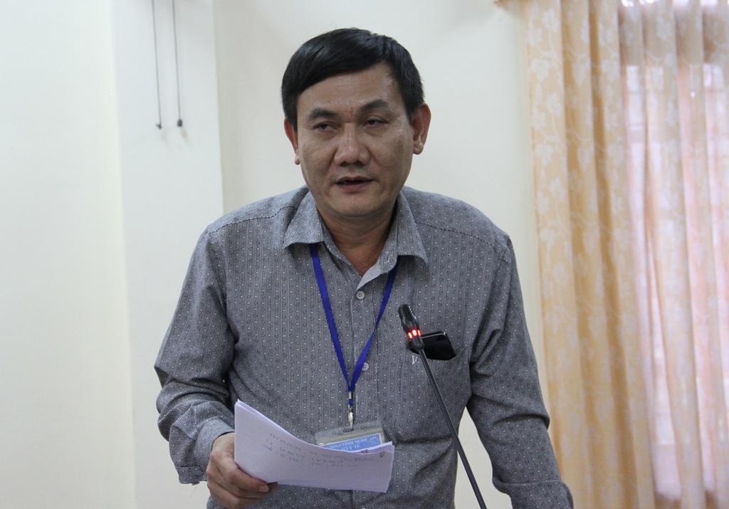 Ông Phạm Ngọc Quy - Trưởng Phòng nghiệp vụ Y Sở Y tế Nghệ An trả lời câu hỏi của PV liên quan đến vụ việc cháu bé 3 tháng tuổi tử vong.