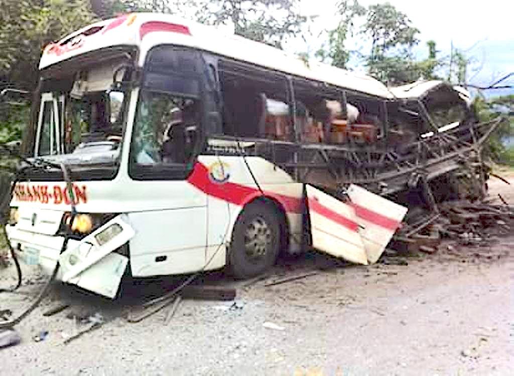 Vụ nổ xe khách 8 người chết: Có xác pháo ở hiện trường? - 8