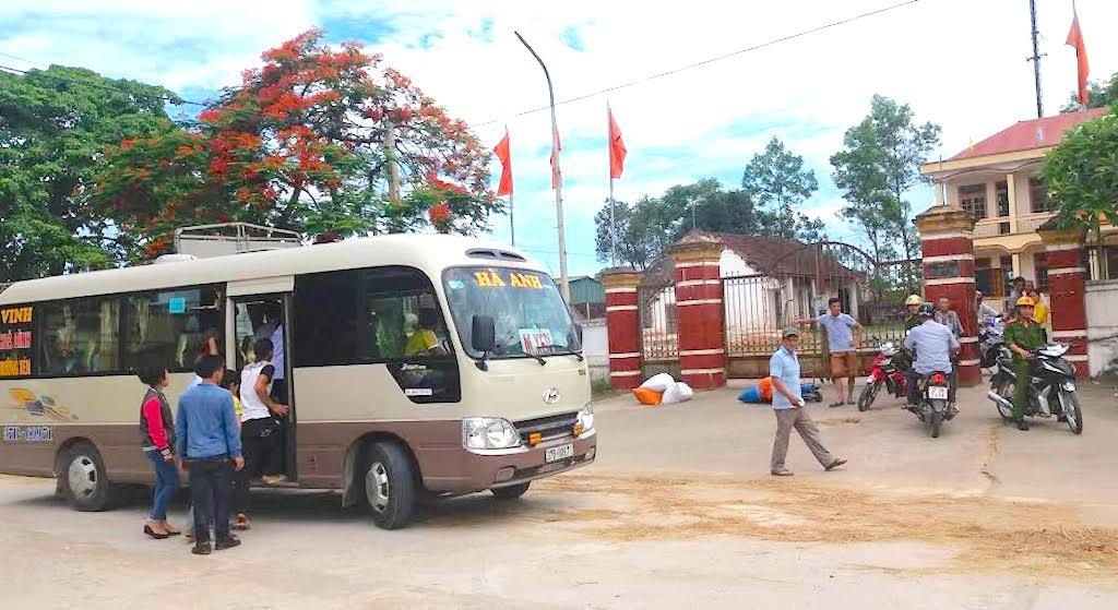 Chiếc xe Hà Anh được đưa về trụ sở công an huyện Đô Lương ngay sau đó.