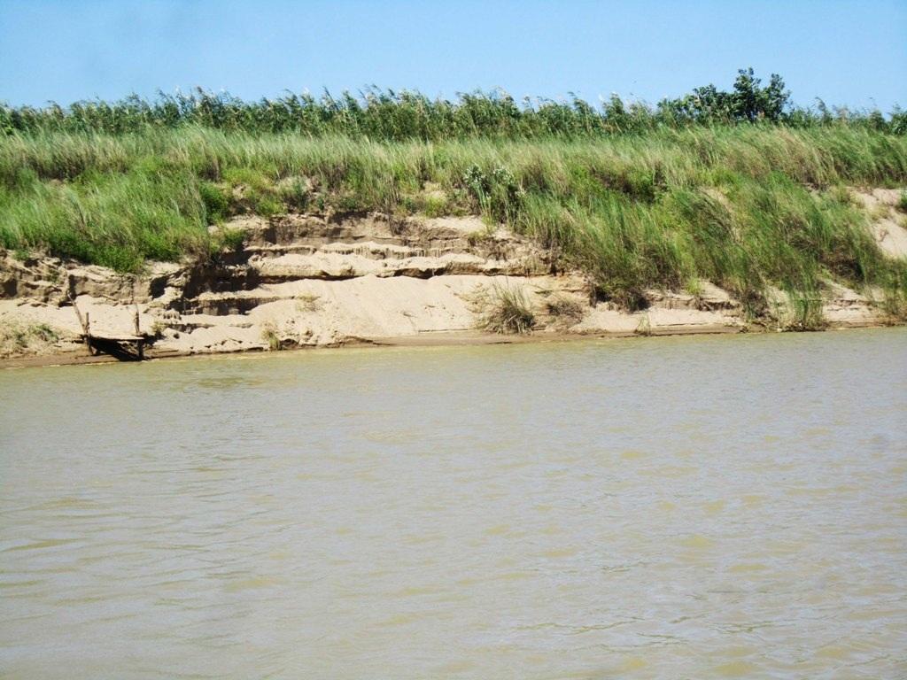 Canh cánh nỗi lo sạt lở hai bên bờ sông Lam - 4