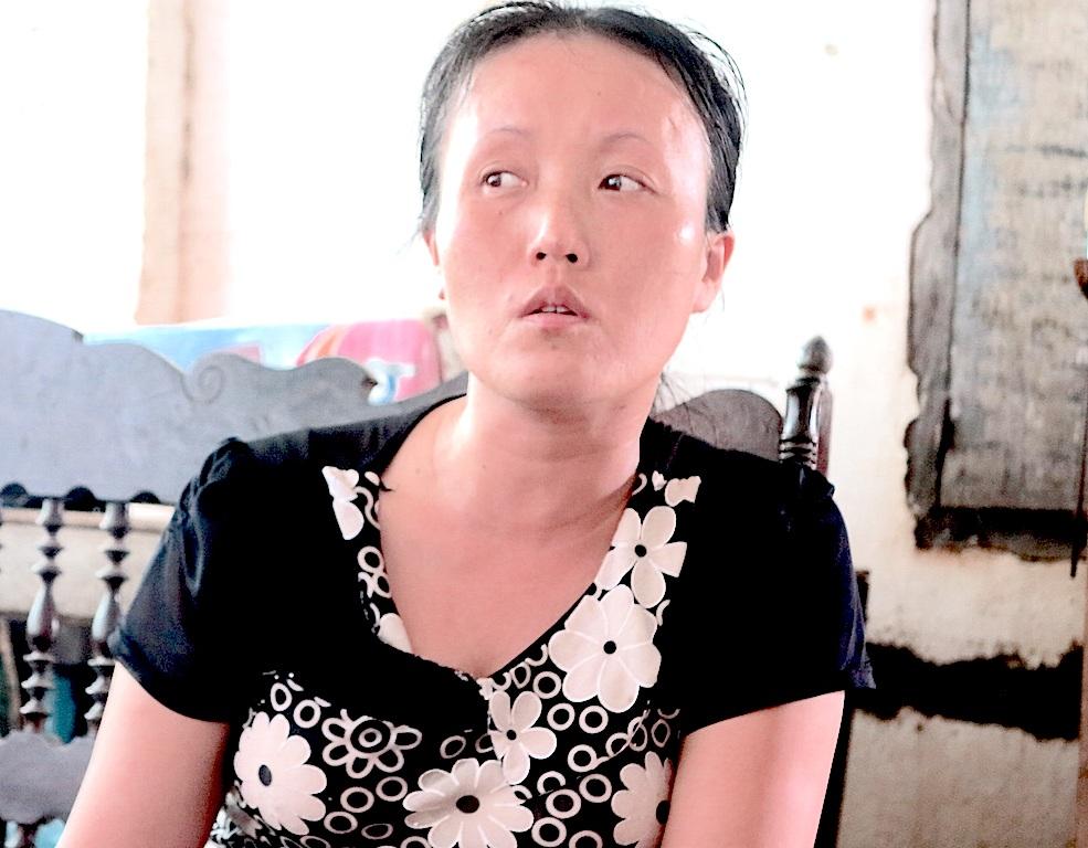 Chị Hoàng Thị Soa đau đớn bảo: Tôi chỉ mong không còn người mẹ nào phải chị nỗi đau như tôi...