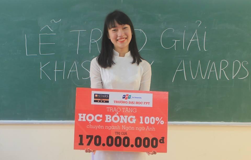 Trước đó Khánh Vy đã dành được học bổng toàn phần của trường ĐH FPT với tổng trị giá 170 triệu đồng.
