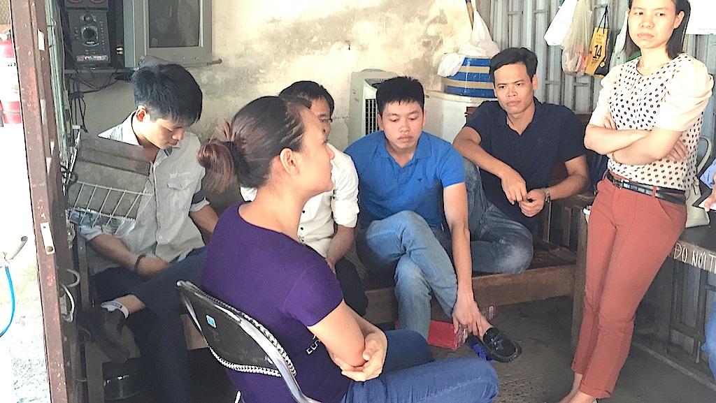 Cán bộ y bác sĩ, điều dưỡng, công nhân viên BVĐK Thành An - Sài Gòn đình công đòi trả lương.