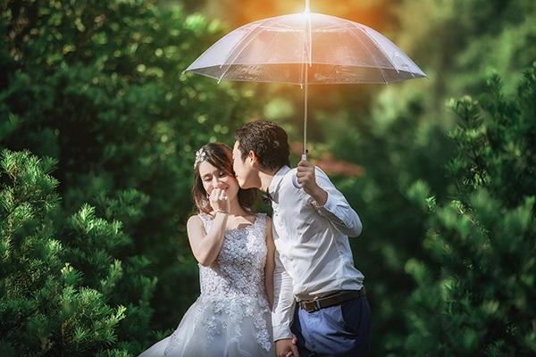 Sự kết hợp giữa cổ điển và hiện đại khiến bộ ảnh cưới của An và Vinh trở nên độc đáo
