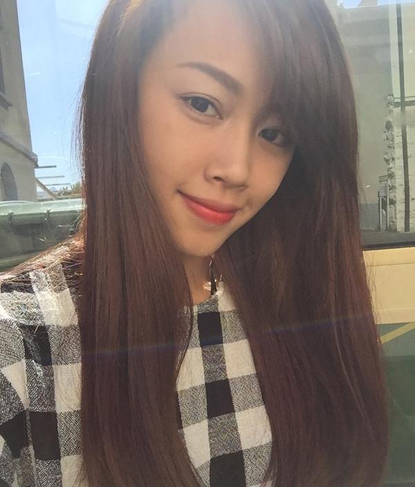 Nguyễn Ngọc Anh, sinh năm 1994 hiện là sinh viên năm thứ 3 của trường đại học SIHM tại Thuỵ Sĩ. Ngọc Anh có năng khiếu nấu ăn. Quan điểm của cô là phụ nữ hiện đại, hãy luôn là một người phụ nữ độc lập, bởi khi bạn độc lập về mọi thứ, bạn có thể thoải mái làm những điều mình muốn.