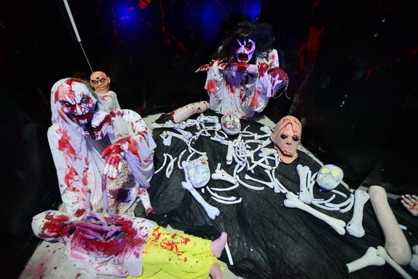 """Dịp Halloween, khám phá """"nhà ma"""" đang hút giới trẻ Hà Nội - 10"""