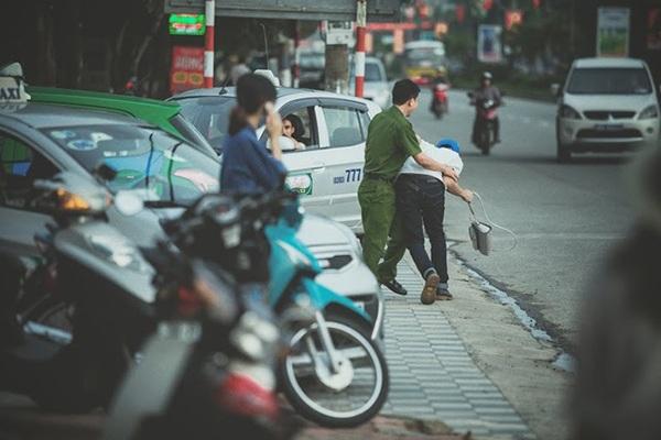 Anh Ngọc Cảnh giúp truy bắt cướp
