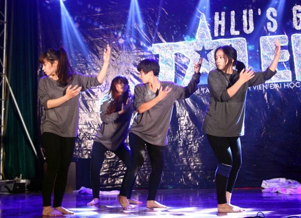 Nhóm nhảy nữ Covergirl kể câu chuyện về những em nhỏ trong làng trẻ em SOS bằng ngôn ngữ nhảy. Một thành viên của nhóm đã từng học tập, trải nghiệm cuộc sống cùng với các em nhỏ tại làng trẻ SOS nên từng giai điệu cũng như vũ đạo của bài biểu diễn đều toát lên những câu chuyện rất thật về các em nhỏ có hoàn cảnh khó khăn. Nhóm đã giành giải Nhì cho những tâm huyết của mình.