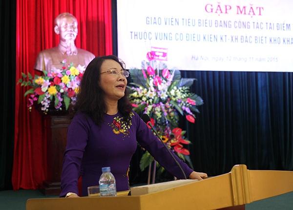 Thứ trưởng Bộ GD&ĐT - Nguyễn Thị Nghĩa chia sẻ nỗi vất vả của các thầy cô giáo cắm bản