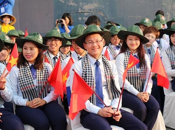 Nụ cười của cá cthành viên đoàn Việt Nam trên tàu Nippon Maru