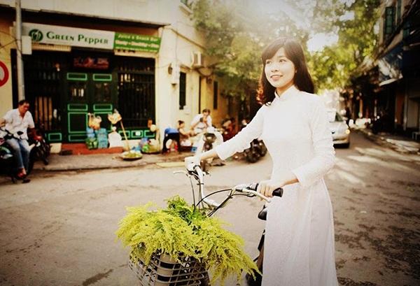 Hiện nay, cô bạn đang tham gia cuộc thi Miss Du học sinh Việt