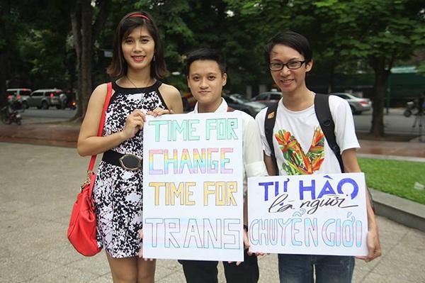Niềm hân hoan của cộng đồng LGBT. (Ảnh: FB ISEE)