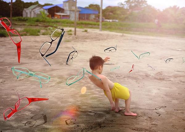 Làm sao con bạn, hay em bạn có thể né được ma trận này. Ma trận tạo nên bởi những chiếc kính cận thị không đáng có