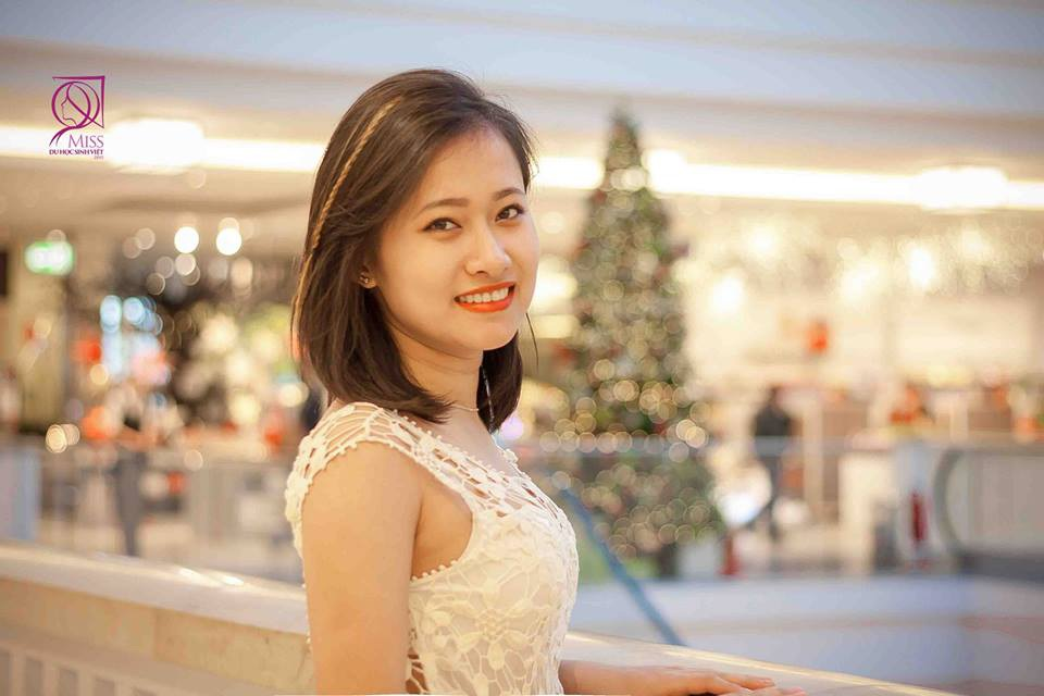 Lê Hồng Nhung, sinh năm 1994, đang theo học ngành Toán kinh tế – trường đại học Kĩ thuật kinh tế Berlin, Đức. Trước khi sang Đức du học, Hồng Nhưng từng thi đỗ 2 trường ĐH Kinh tế quốc dân Hà Nội và ĐH Ngoại Ngữ – ĐH Quốc gia Hà Nội.