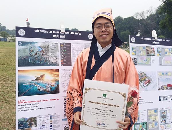Nguyễn Phạm Sơn Tùng - sinh viên ĐH Xây dựng sinh năm 1992 đoạt giải Nhì giải thưởng Loa thành với đồ án Làng nổi trên đảo chìm Đá Tây - Trường Sa