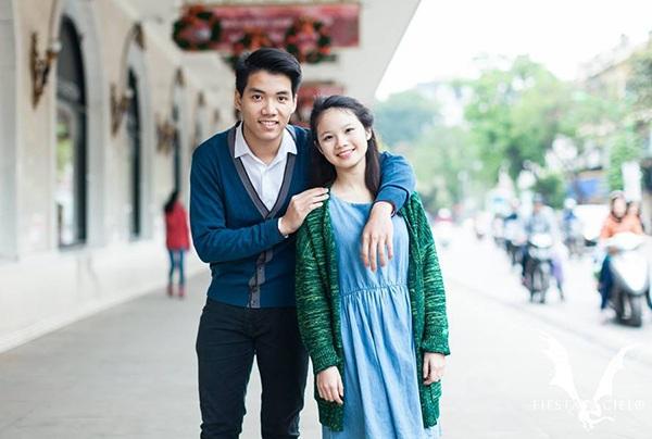 Hoàng Giang (lớp 11 Toán 1) - Minh Anh (lớp 10 Văn). Cặp đôi đến từ Zone 7 Athena.