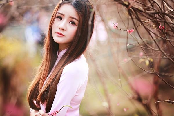 Thiếu nữ mộng mơ giữa vườn đào Nhật Tân - 8