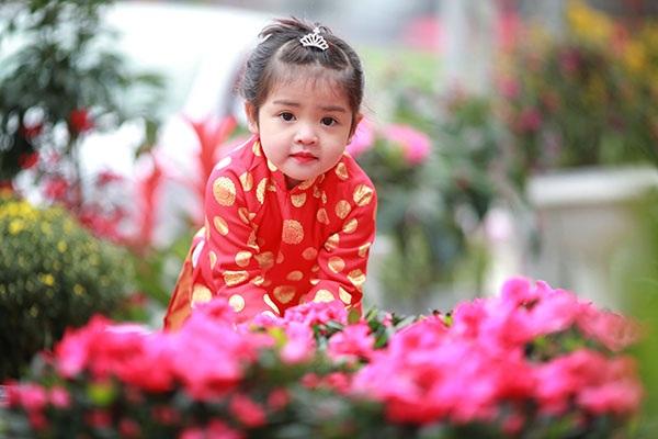 Vẻ trong sáng, đáng yêu của hai cô bé Hà Giang