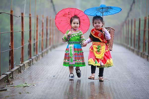 Hai cô bé xinh xắn đến từ Hà Giang