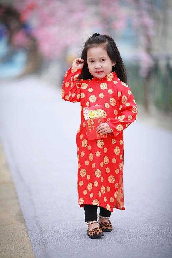 Bé gái Hà Giang xúng xính trang phục dân tộc đón Tết Bính Thân - 9