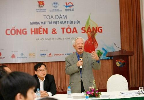Ông Vũ Khoan phát biểu tại cuộc tọa đàm.