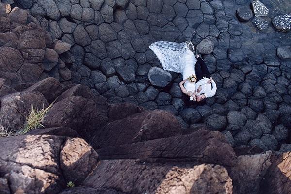 Bãi đá độc đáo trên biển Phú Yên thành điểm chụp ảnh cưới cuốn hút - 12