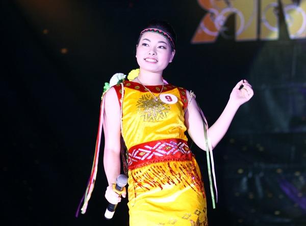 Võ Thùy Linh khoe giọng hát cao vút trong ca khúc của đại ngàn Cô gái vót chông