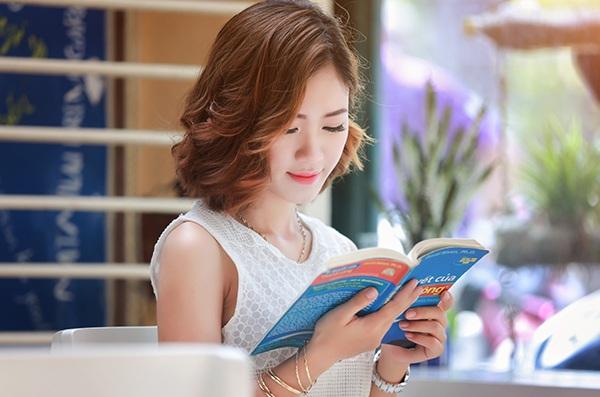 Tự lập đi lên với nghiệp kinh doanh, Thu dựa vào những kiến thức trong sách và học hỏi những người đi trước