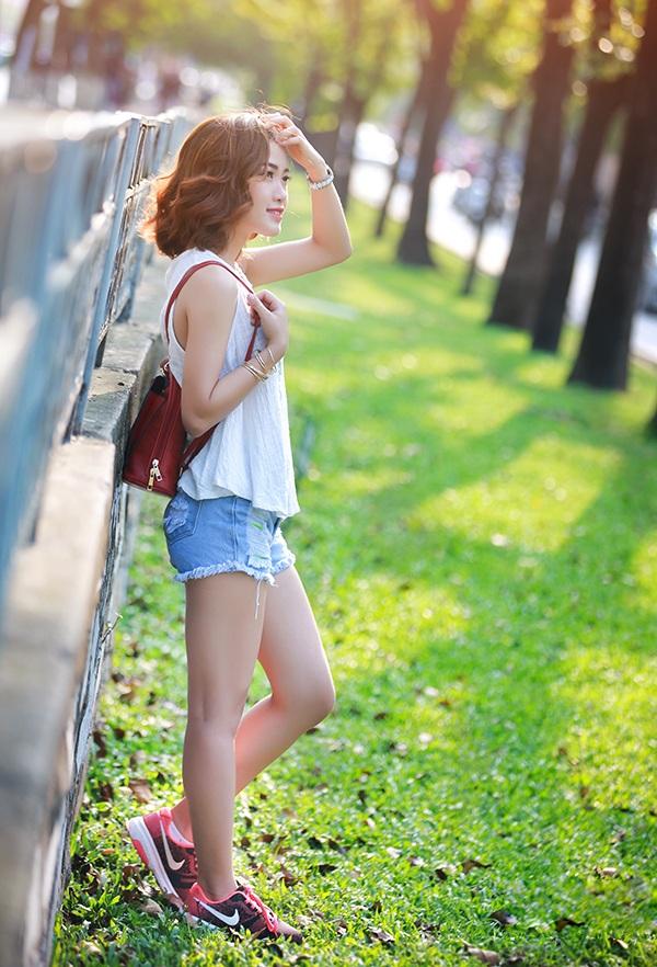 Hường chọn phong cách trẻ trung, năng động trong sinh hoạt hàng ngày