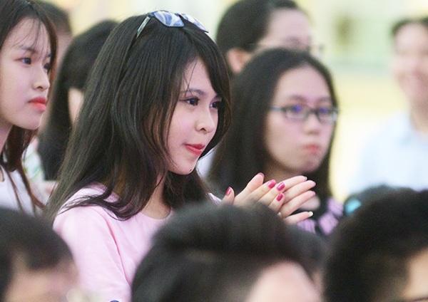 Nữ sinh Yên Hòa xinh đẹp nhảy flashmob chia tay trường cấp 3 - 7