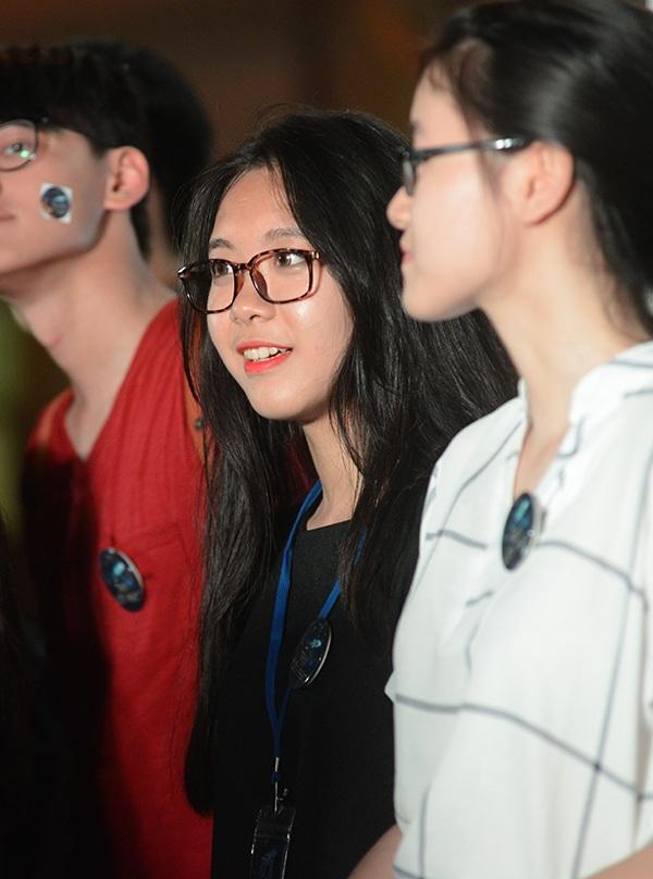Nữ sinh Yên Hòa xinh đẹp nhảy flashmob chia tay trường cấp 3 - 3