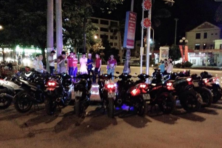 Màn tỏ tình với dàn xe máy ở Bắc Giang gây chú ý - 4