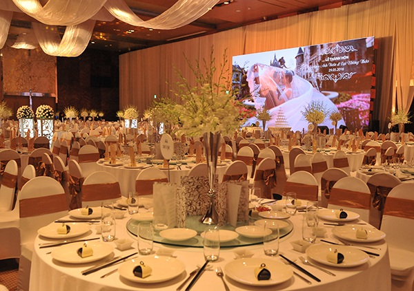 Toàn cảnh đám cưới tại khách sạn hạng sang của Lại Hương Thảo