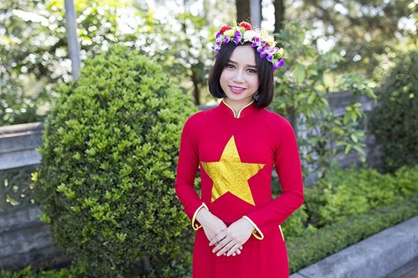 Nữ sinh Thái Lan diện áo dài Việt trong lễ tốt nghiệp - 10