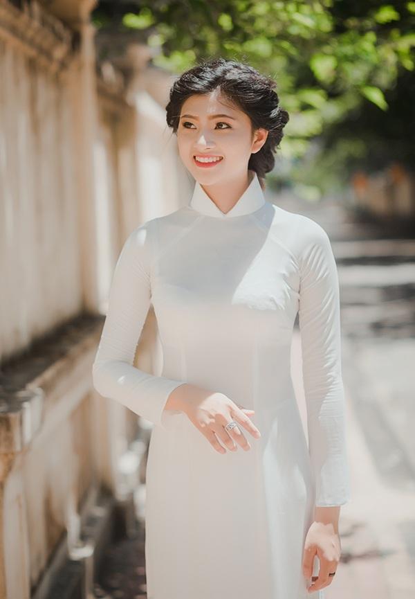 Nụ cười rạng rỡ của cô gái xứ Thanh