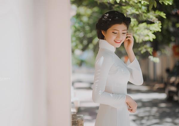 Trịnh Thị Hà sinh năm 1991 tại Thanh Hoá. Cô chuyển vào Quảng Ngãi cùng với người thân và sống ở đây được 9 năm.