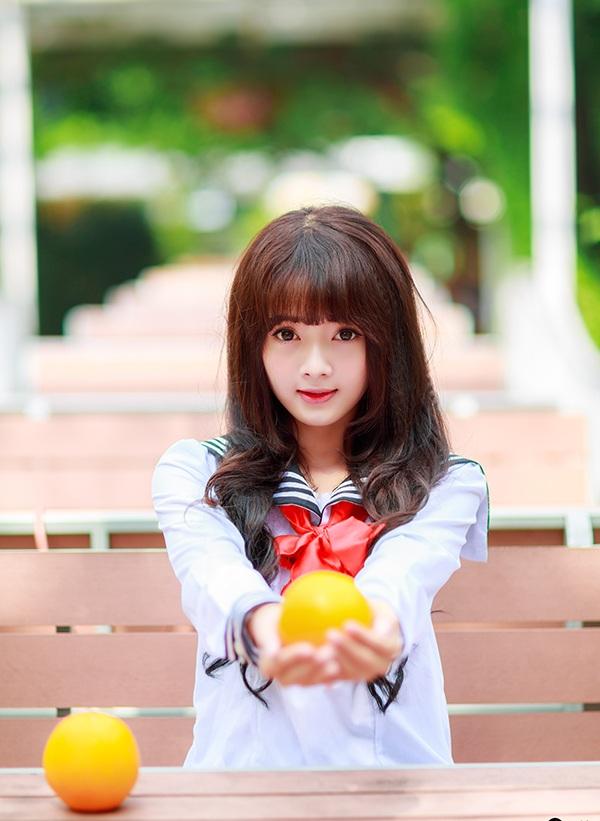 Nhờ Facebook có hơn 230.000 người theo dõi, Lan Hương có lượng khách hàng đông đảo là fan của cô.