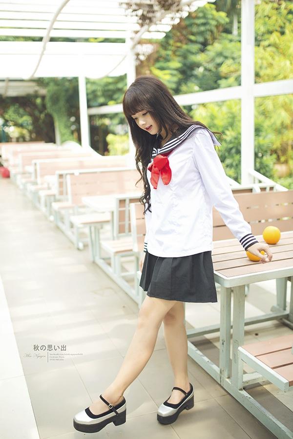 Bộ ảnh này được chụp ở công viên quận 4, TP.HCM với ý tưởng diễn vai một nữ sinh trung học mang phong cách truyện tranh Nhật Bản.
