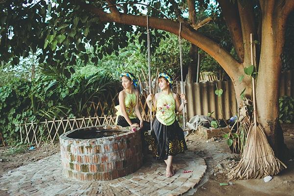 Tuy tính cách khác biệt nhưng hai chị em Hoài Thu và Ánh Dương khá thân thiết. Cho dù có cãi nhau, hai cô gái cũng rất mau chóng làm lành.