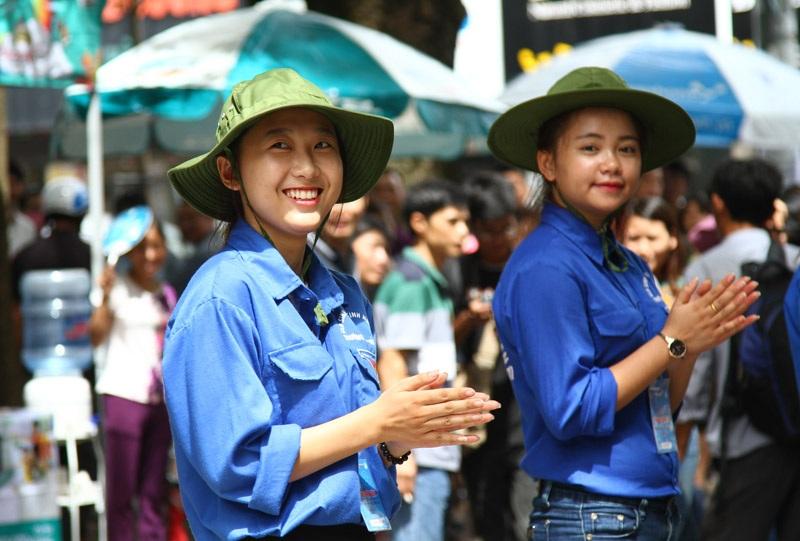 Hoạt động tình nguyện của sinh viên là hành động đẹp, giàu ý nghiã nhưng cần phải đảm bảo an toàn cho các bạn trẻ.