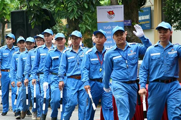 Đội thanh niên Phản ứng nhanh về giao thông - 1 trong 12 đội hình tình nguyện chuyên cấp thành phố Hà Nội ra quân trong chiến dịch tình nguyện hè 2016.