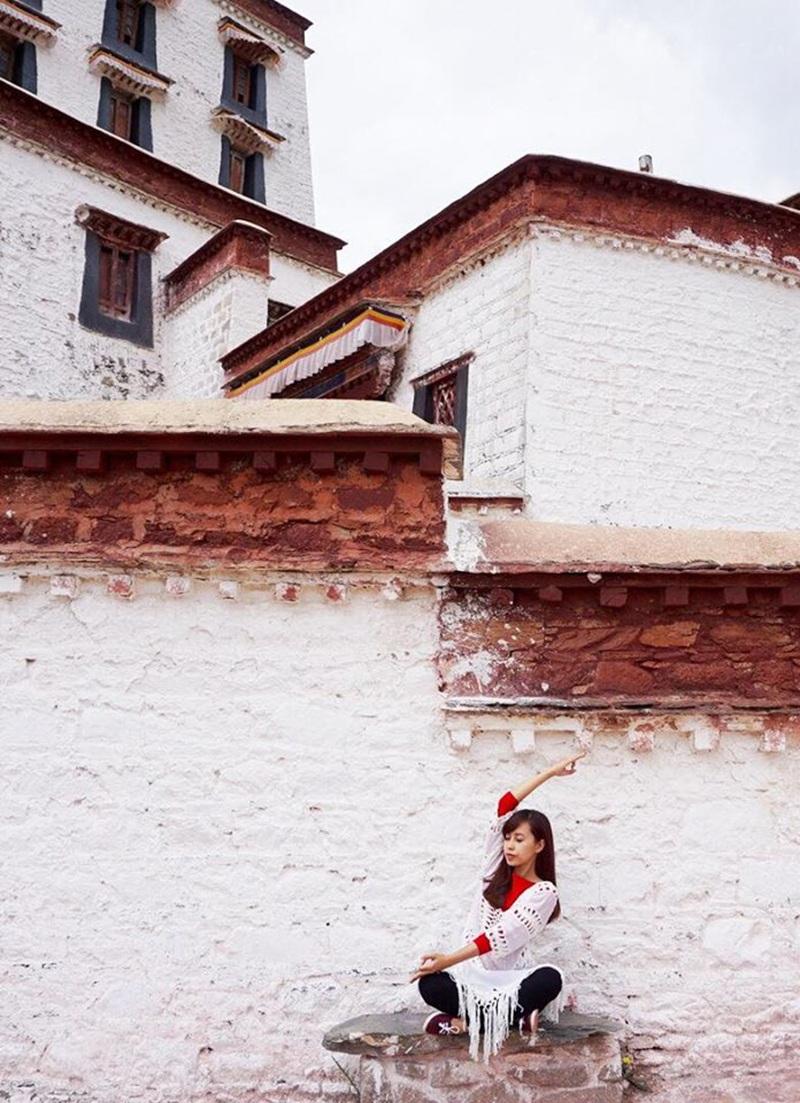 Yoga tại Cung điện Potala (Tây Tạng) - nơi đây đã được UNESCO công nhận là Di sản văn hóa thế giới.