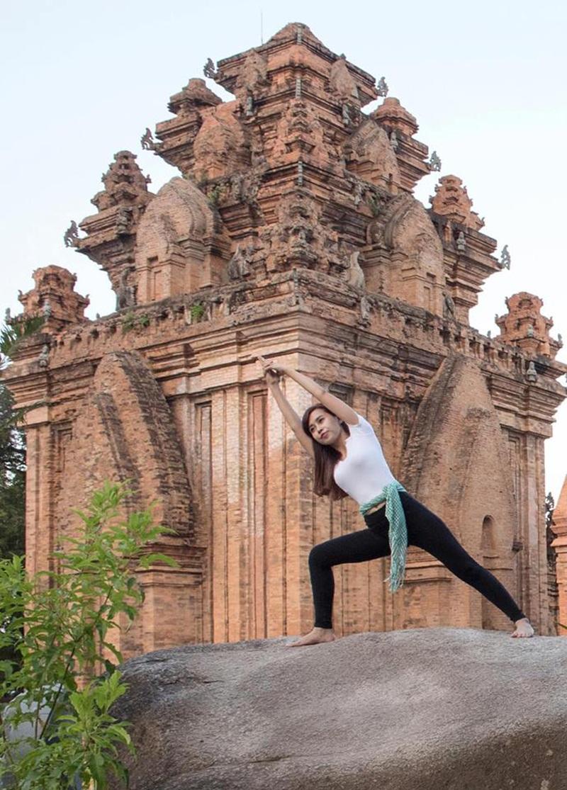 Bức ảnh này được khách du lịch người Nga vô tình chụp lại và gửi cho Yến tại Tháp Bà, Nha Trang.
