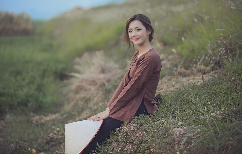 Hương nói rằng ý tưởng thực hiện bộ ảnh này đã được cô ấp ủ từ lâu. Đây là cách cô lưu giữ tình yêu dành cho mảnh đất Hưng Yên.