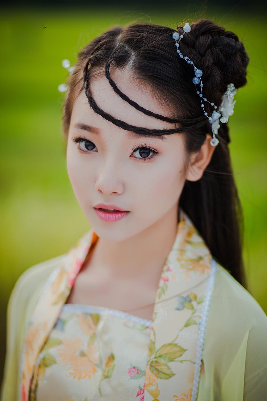 """Bộ ảnh nữ sinh lớp 10 """"hóa"""" chị Hằng Nga xinh đẹp - 11"""