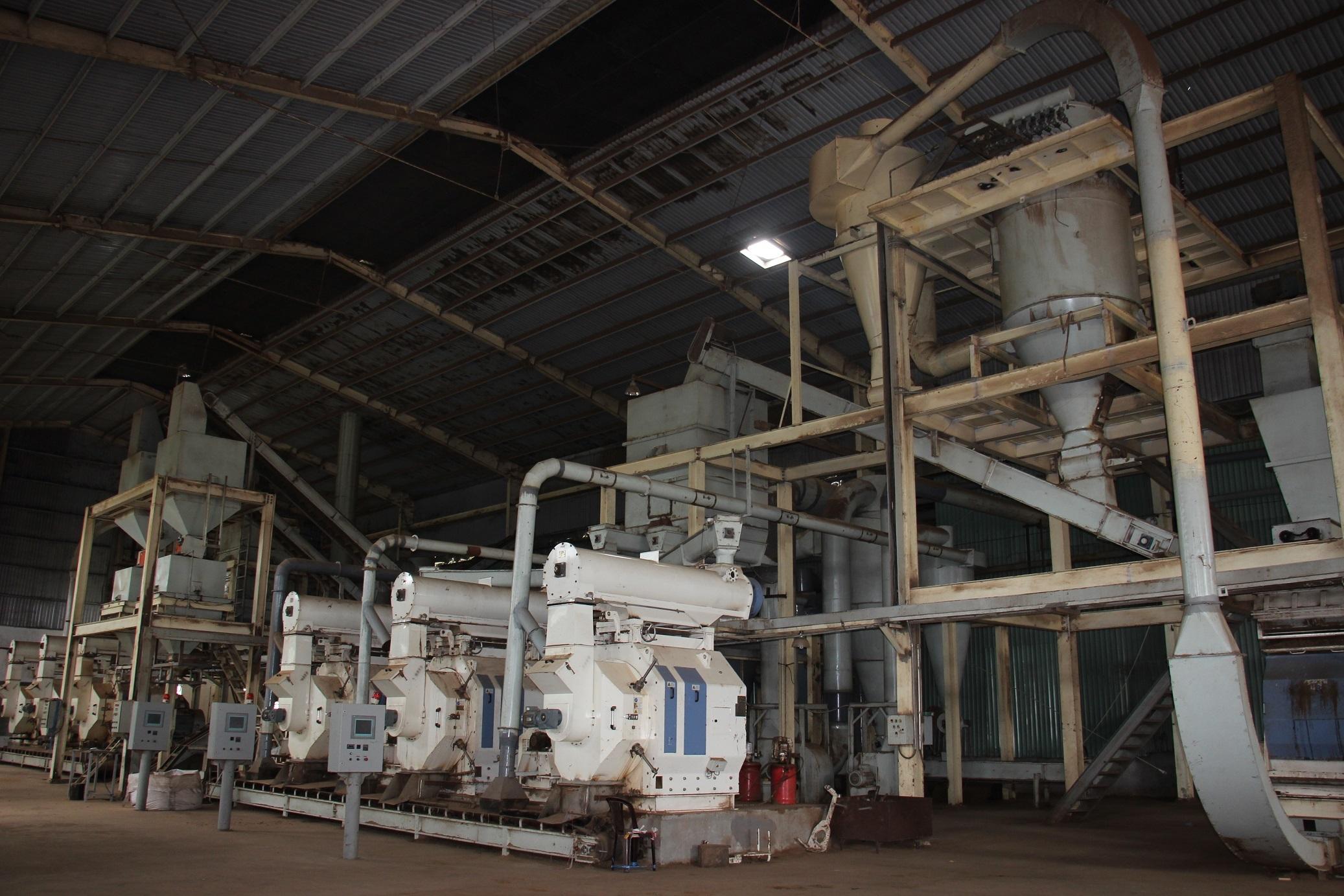 Dân phản ứng gay gắt yêu cầu Công ty CP năng lượng ThiệnMinh (ở xã Bình Nghi, huyện Tây Sơn) ngừng hoạt động vì gây ô nhiễm