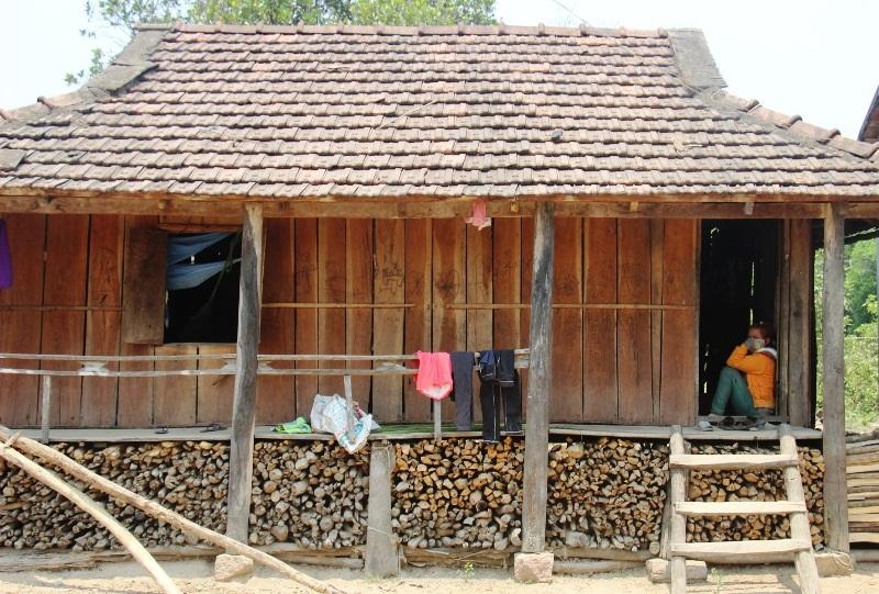 Người làng Canh Tiến vẫn còn giữ những ngôi nhà sàn