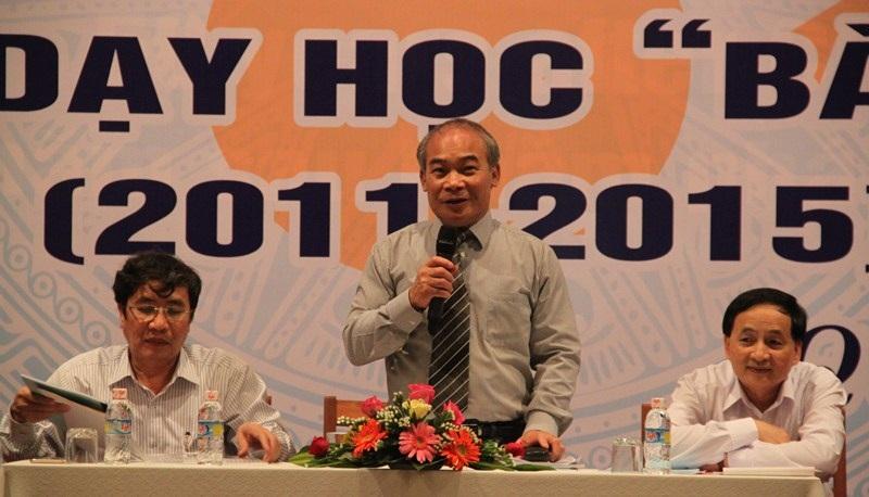 Thứ trưởng Bộ GD-ĐT Nguyễn Vinh Hiển chủ trì hôi nghị